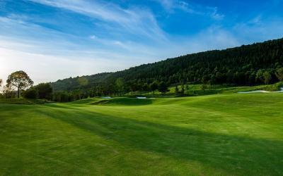 Où partir en escapade de golf avec hébergement cet été?